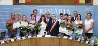 Primăria Cluj-Napoca a premiat elevii ce au luat 10 la BAC
