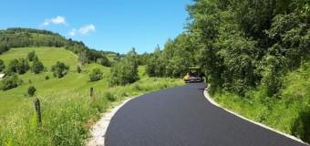 A fost finalizată asfaltarea între Mărişelul și Măguri Răcătău.