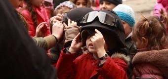 PESTE 500 DE ELEVI ÎN VIZITĂ LA POLIŢIA CLUJ