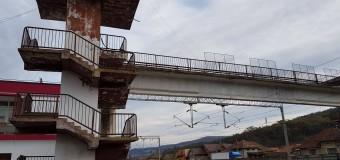 Gherla: Pasarela pietonală din Gara Gherla va fi modernizată!