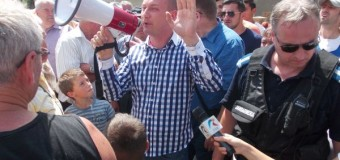 """[FOTO&VIDEO] Scandal la Fizeşu Gherlii. Cetăţenii nu mai cred în promisiunile politicienilor: """"Mincinoşilor"""""""
