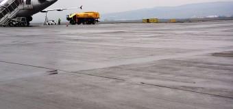 """CJ Cluj acuză: """"Pista nouă a aeroportului prezintă degradări"""". Ce spun reprezentanții aeroportului?"""