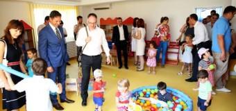 Familiile cu venituri mici pot beneficia de stimulent educational dacă își duc copiii la grădinițe