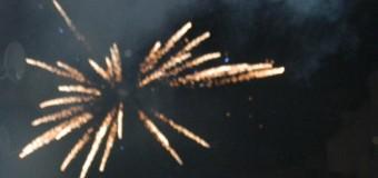 Floreştenii au intrat în Noul An cu mult zgomot. La Mulţi Ani 2015!