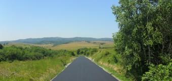 Au fost finalizate lucrările de asfaltare pe drumul județean 191D (DJ 108A) Vânători – limită cu județul Sălaj