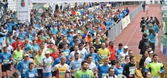 Peste 4000 de alergători, 700 de copii și mii de clujeni pe margine la Maratonul Internţional AROBS Cluj-Napoca