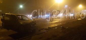 [Foto] UPDATE: Accident grav pe Calea Floreşti. Şoferul care a provocat accidentul s-a sinucis. Mai multe maşini implicate şi patru persoane rănite grav.
