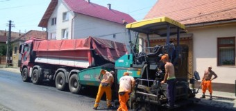 Între Vlaha și Săvădisla, DJ 107M, se toarnă asfalt