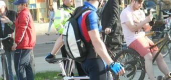 Un biciclist a fost rănit după ce o şoferiţă l-a acroşat pe strada Madach Imre.