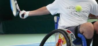 Cursuri de tenis pentru persoane cu dizabilităţi locomotorii. Află cum te poţi înscrie.