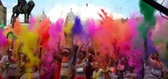 """Multă culoare, distracţie şi voie bună la """"The Color Run Romania-Cluj"""""""