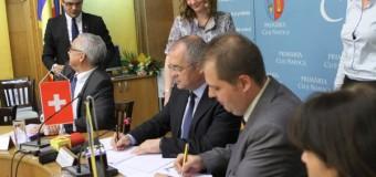 Primăria Cluj-Napoca accesează fonduri elvețiene. Azi a fost semnat contractul şi va cumpăra 10 autobuze electrice dar nu numai.