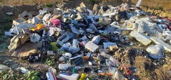 Cluj-Napoca: depozitările ilegale de deșeuri, sancționate de polițiștii locali.