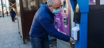 Cluj-Napoca: dispensere cu dezinfectant în stații de transport public, piețe și scări de bloc