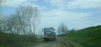 Au fost demarate lucrări de întreținere pe drumul județean 103L Râșca – Mănăstireni