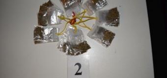Substanţe suspecte găsite asupra unui tânar