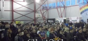 [Video] Florești, ești atât de trist! Dezbatere cu scandal, aplaudaci și agitatori la comandă. Păcat