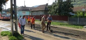 Lucrările de asfaltare a drumului judeţean Gherla-Fizeşu Gherlii-Ţaga încep luni