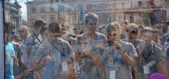 Flash-mob pentru Capitala Eropeană a Tineretului. 650 de tineri s-au adunat în Piaţa Unirii