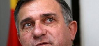 """Funar va candida ca independent la Preşedinţie. Sloganul său, """"România unită, cu români fericiţi! """""""