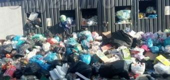 """Primarul din Florești nu se lasă în fața prefectului. Legea îl obligă să rezolve problema gunoaielor dar el e în """"competiție"""" … de hârtii"""