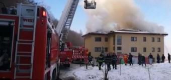 Florești: acoperișul unui bloc a luat foc iar mai multe persoane au fost evacuate