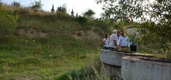 Un floreştean, luat la rost de edil pentru că a povestit presei despre canalizarea din Cetatea Fetei