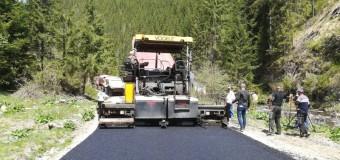 A demarat asfaltarea drumului județean 107T Mărișel – Măguri Răcătău – Măguri