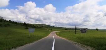 Lucrări de marcaje rutiere pe zece drumuri județene.