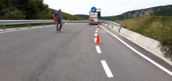 Peste 50 de kilometri de drumuri județene cu marcaje rutiere.