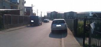 Florești: A distrus oglinzile retrovizoare a 4 mașini parcate pe strada Florilor. Făptașul a fost prins și internat la o unitate medicală