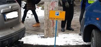 Cluj-Napoca: Amenzi pentru cei care ocupă cu diferite obiecte părcările de pe domeniul public.