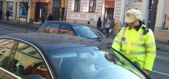 Tânără de 21 de ani depistată de polițiști conducând un autoturism fără a deține permis de conducere