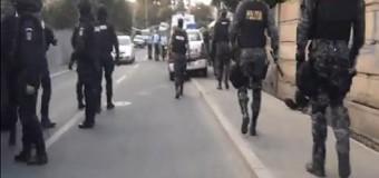 Polițiștii clujeni au reținut mai mulți bărbați pentru furturi și tentativă de omor.