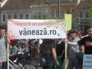 protest defrisari 18