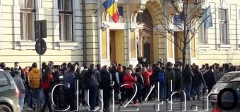 Proteste la Cluj: Guvernul ia în considerare relaxarea măsurilor.