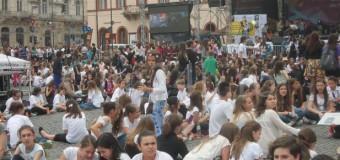 [Foto&Video] Record mondial al elevilor clujeni la Zilele Clujului. Vezi despre ce este vorba.