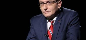 Iohannis l-a numit premier interimar pe Sorin Cîmpeanu şi anunţă consultări şi cu societatea civilă