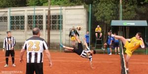 tenis cu piciorul 2