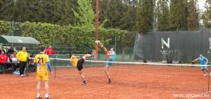 tenis cu piciorul 5