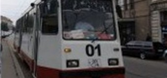 Accident în Mănăştur, un tramvai a sărit de pe şine. Mai multe persoane au primit îngrijiri medicale
